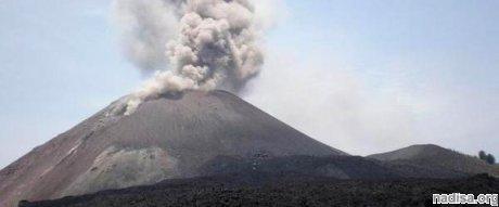 Вулкан Кракатау вступил в опасную фазу активности