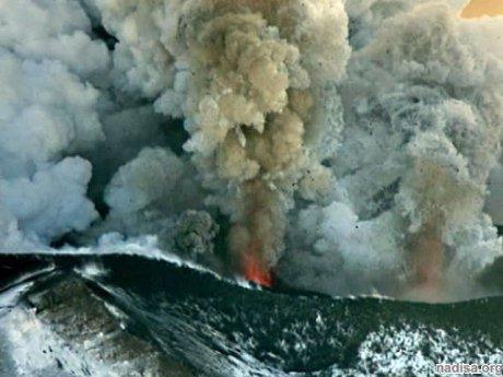 ? На Камчатке взорвался купол вулкана Плоский Толбачик. МЧС: конус вулкана Плоский Толбачик не взрывался