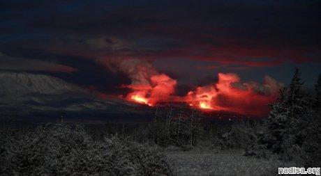На Камчатке происходит совместное извержение вулканов