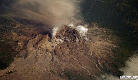 """Введен """"оранжевый"""" код опасности для авиации из-за активизации вулканов Камчатки."""
