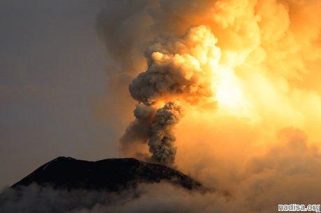 Очередной выброс пепла Шивелуча достиг 8 километров