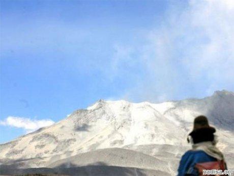 На юге Перу началось извержение вулкана Убинас