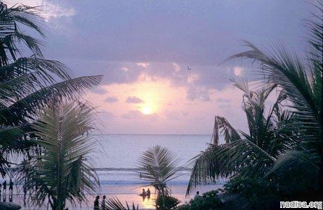 Индонезию вновь трясет: стихия проснулась на острове Буру
