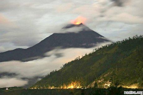 Эквадорский вулкан Тунгурауа вновь проснулся