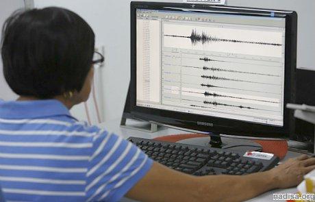 В результате землетрясения в Киргизии треснули здания школы и детсада