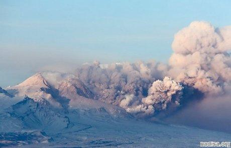 Вулкан Ключевская сопка вновь «бунтует»