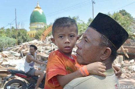 Жертвами новых землетрясений в Индонезии стали 14 человек