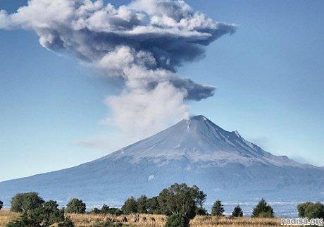 В Мексике «взрывается» вулкан Попокатепетль