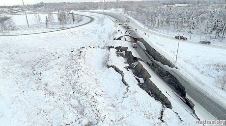 Погода мешает устранять последствия землетрясения на Аляске