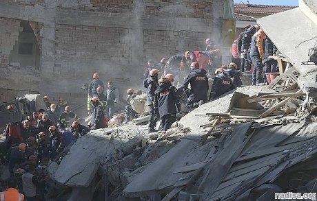Число жертв землетрясения в Турции выросло до 31