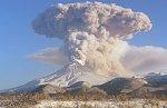 Камчатский вулкан Шивелуч выбросил облако пепла на 10-километровую высоту