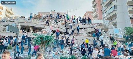 В Турции произошло землетрясение (видео обрушения здания, фото)